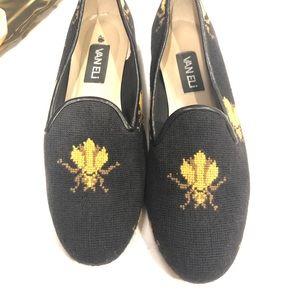 Vaneli Queen Bee Needle Point Loafers Size 10